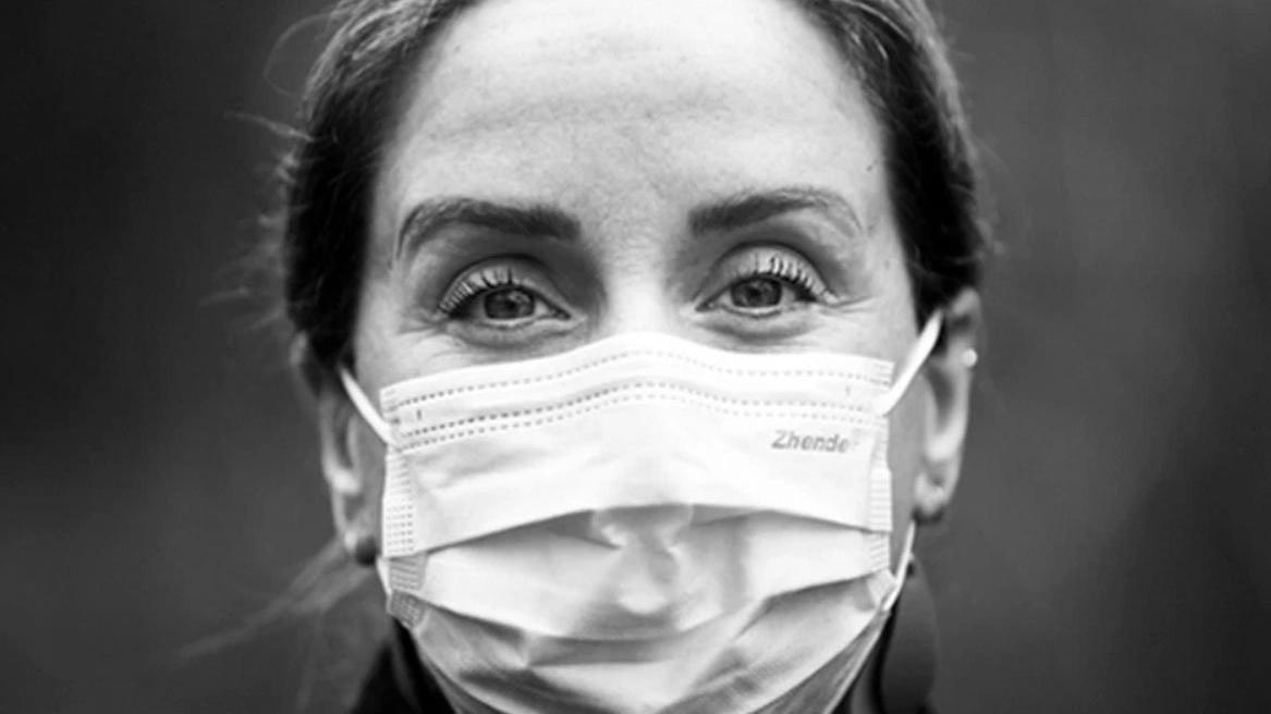 Corona virüsüne yakalanan hemşire anlattı: Tüm kemiklerim kırılıyor gibi...