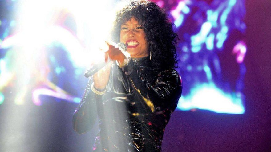 Whitney Houston'ın hayatını anlatan filmin senaryosu emin ellerde