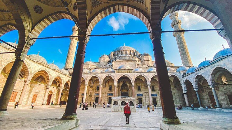 En güzel Ramazan Cuma mesajları… Ramazan mesajları, resimli Cuma mesajlar ve anlamlı Cuma mesajlar…