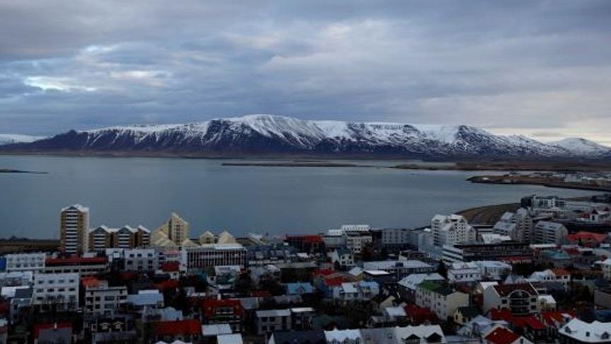 Uzak ülke İzlanda'da corona bitti