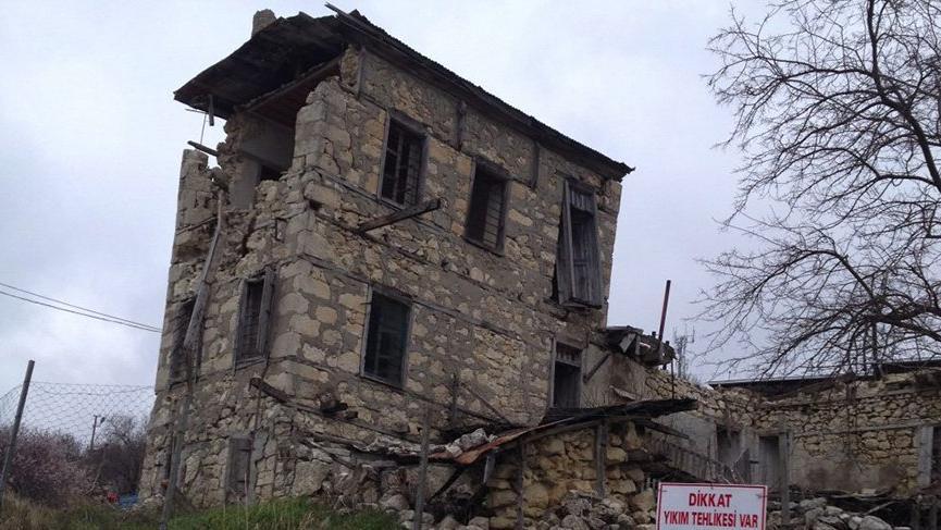 23 Nisan'ın ulusal bayram olarak kabul edilmesini sağlayan vekile büyük vefasızlık: Evi yıkılmak üzere