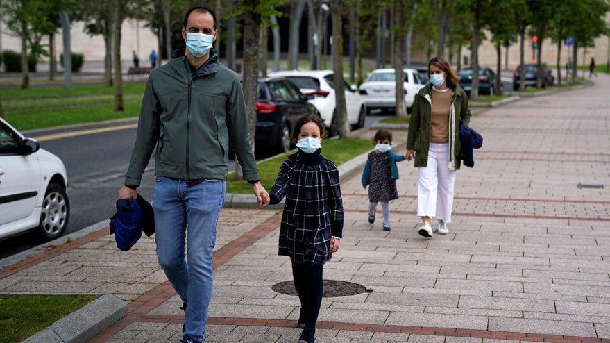 İspanya'dan flaş corona virüsü açıklaması: Bir ayın en düşüğü