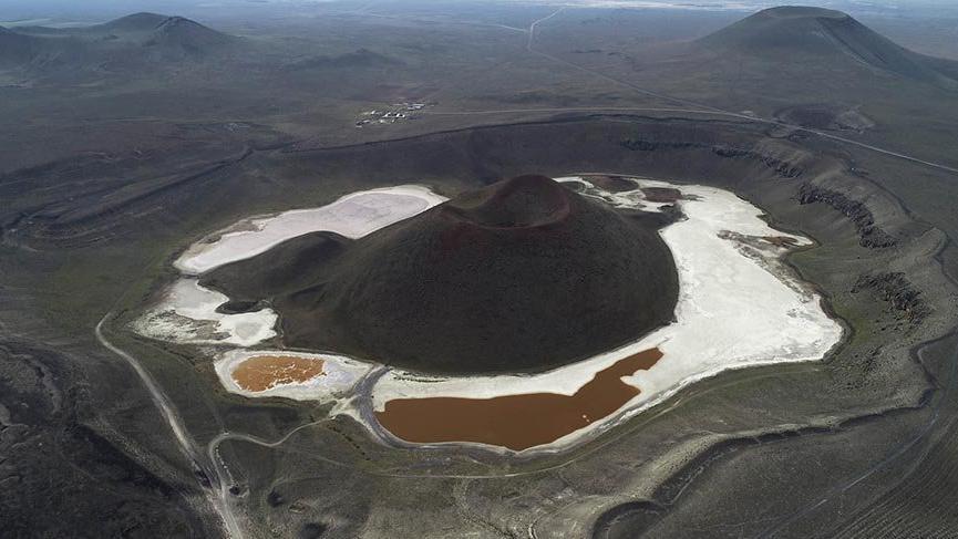 'Dünyanın nazar boncuğu' Meke Gölü, kurudu