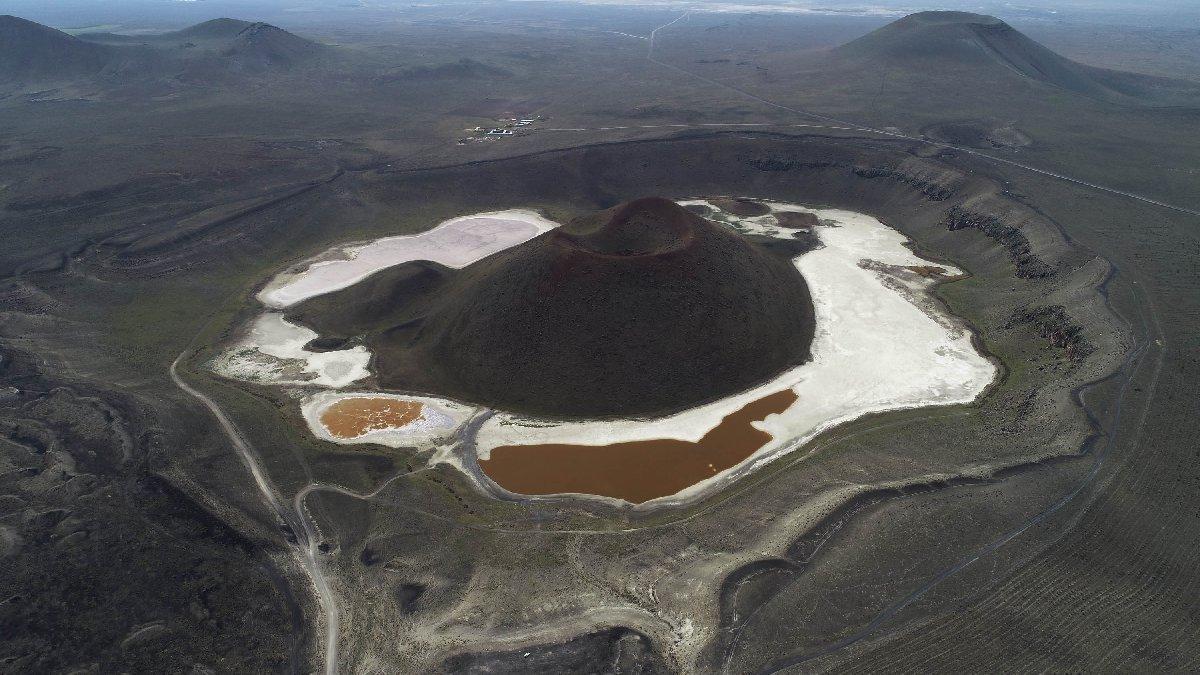 'Dünyanın nazar boncuğu' Meke Gölü kurudu... Son hali şaşırttı
