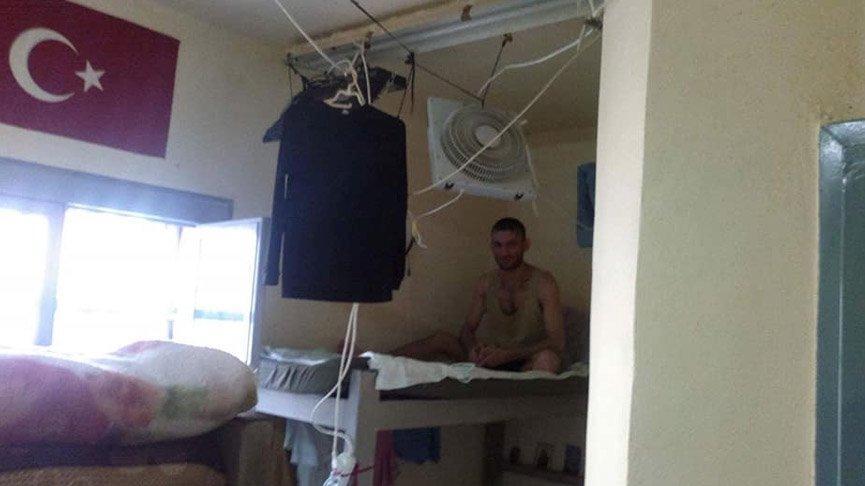 Göçmen kampında kalan 3 Türk yardım istiyor!