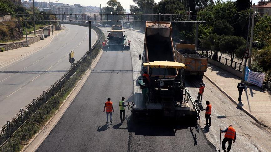 İzmir Büyükşehir Belediyesi yolların bakım ve onarımını tamamladı!