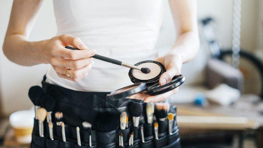 Ramazan haberleri: Makyaj yapmak, ağda yapmak ve saç boyamak orucu bozar mı?
