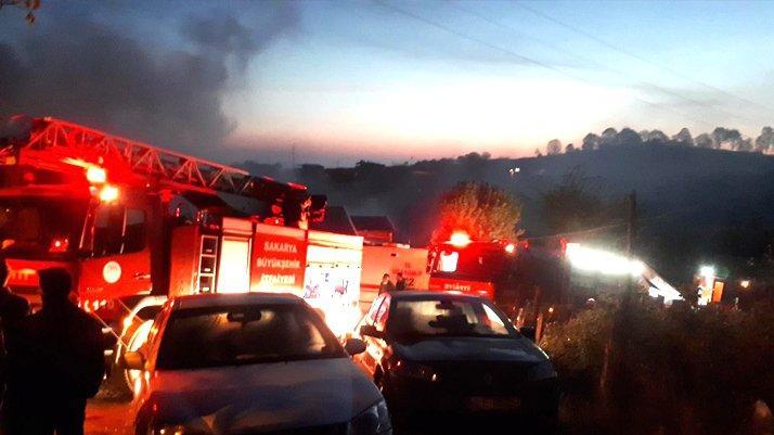 Sakarya'da kahreden yangın: Bir çocuk öldü