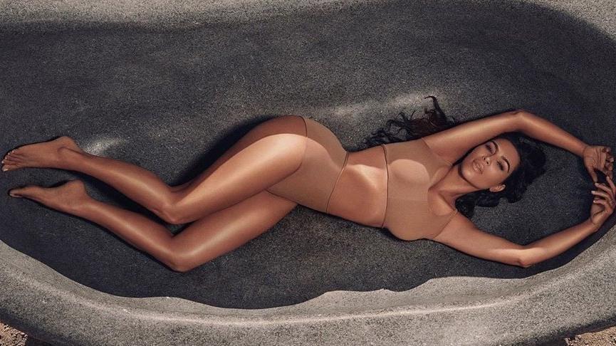 Kim Kardashian'ın YouTube kanalını hackleyip 'Porno yıldızı' yazdılar