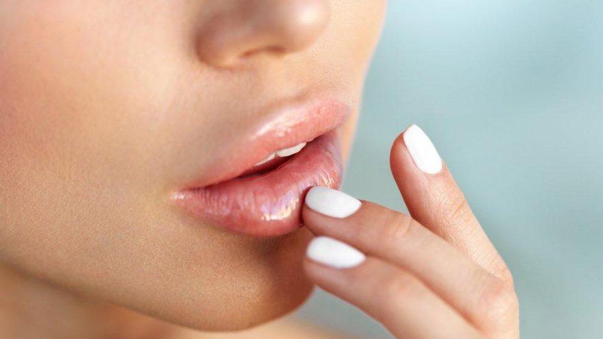 Solgun dudaklar için ne yapmalı? Dudaklarda pigment bozukluğu nasıl geçer?