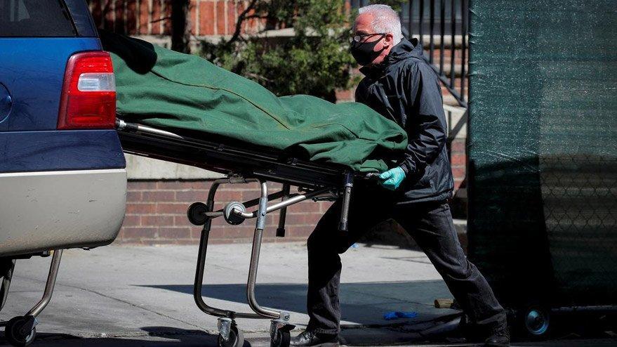 İtalya'da son durum: Bir gün içinde 323 kişi öldü