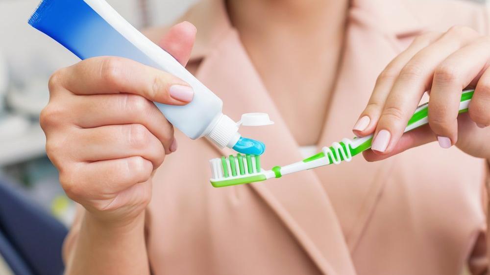 Diş fırçalamak orucu bozar mı? Ramazanda ağız kokusu nasıl engellenir?
