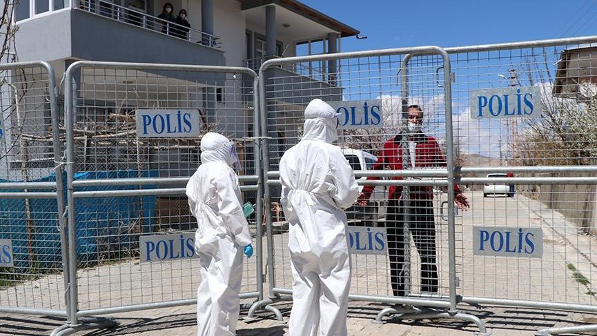 Dikkat çeken oran: Türkiye'de karantinadaki yerleşimlerdeki her 3 kişiden biri Van'da