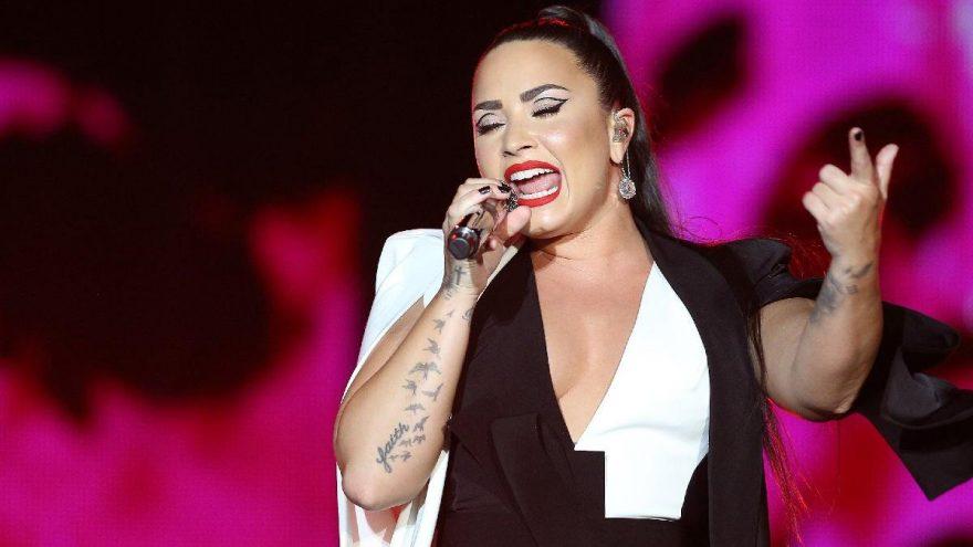 Demi Lovato'ya karantina yaramadı