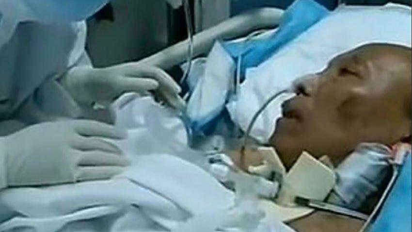 Coronanın ortaya çıktığı yerde benzeri görülmemiş uygulama: Çift taraflı akciğer nakliyle kurtardılar