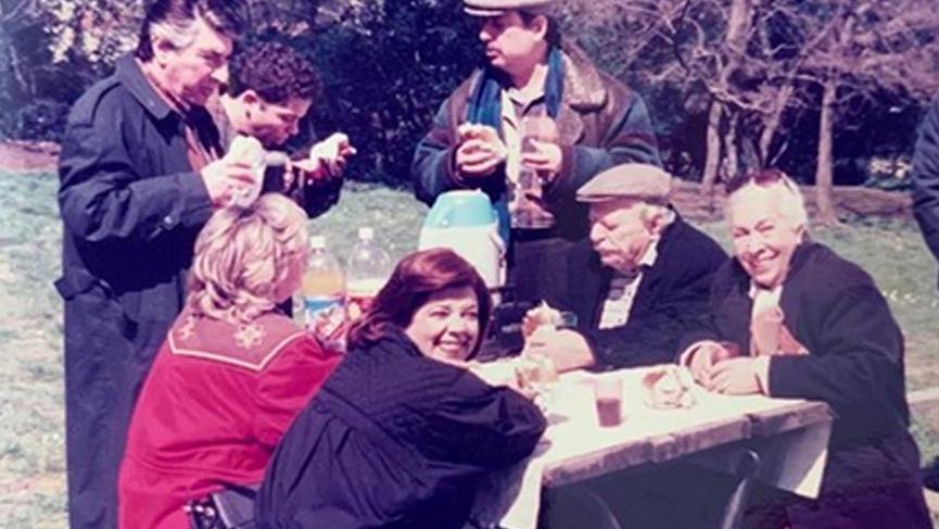 Özlenen dizi Bizimkiler'den nostaljik paylaşım