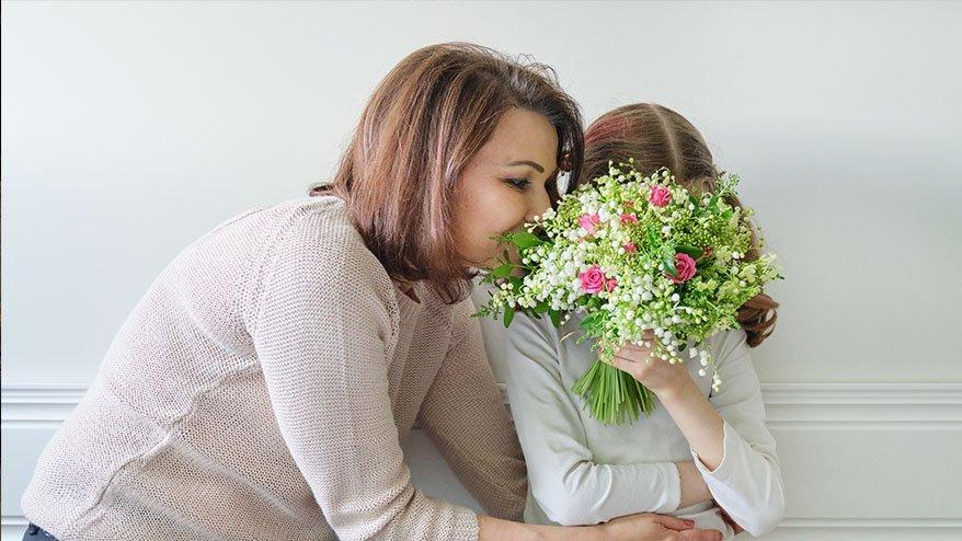 En güzel Anneler Günü mesajları ve şiirleri... Anneler gününü kutlamayı unutmayın!