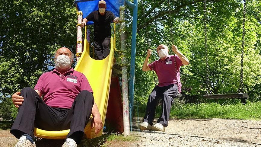 65 yaş üstü vatandaşlar parklara akın etti