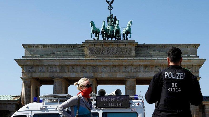 Kısıtlamaların gevşetildiği Almanya'da vaka sayısında artış gözlemlendi