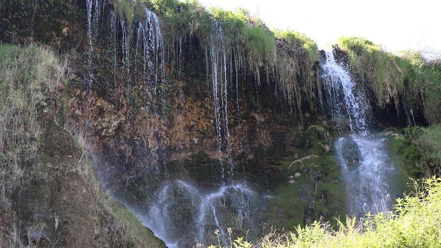 Doğa harikası Güney Şelalesi, sessizliğe büründü