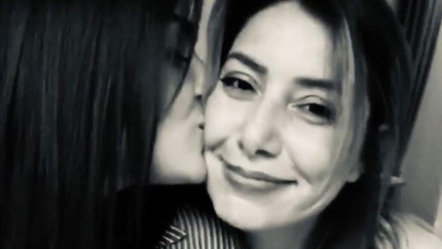 Hande Erçel'in anneler günü mesajı duygulandırdı