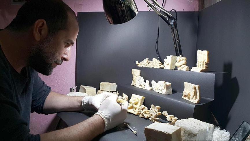 Zeytinyağı sabunlarını sanat eserine dönüştürüyor