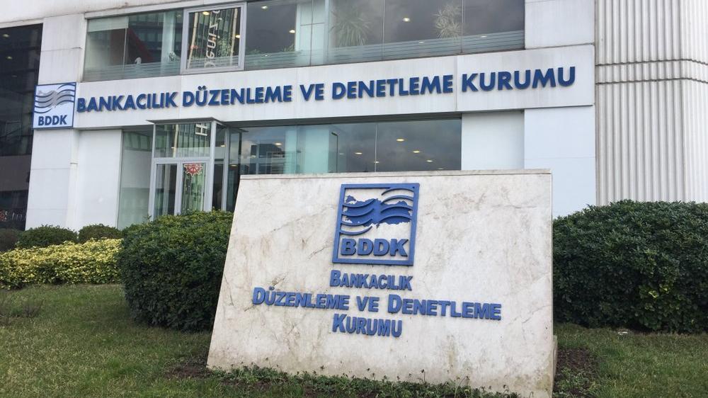 BDDK'dan üç yabancı bankaya swap yasağı