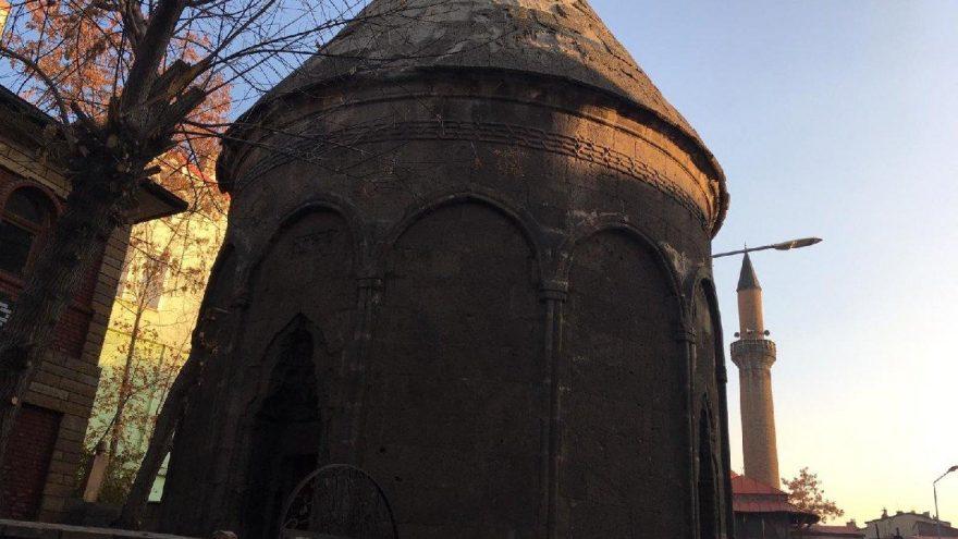 700 yıllık kümbet tarihte ilk kez tam donanımlı restore ediliyor
