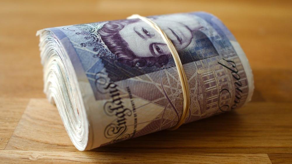 İngiliz ekonomisi martta yüzde 5.2 daraldı