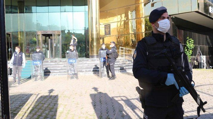 HDP'li 3 belediyeye kayyum atandı, 4 belediye başkanı gözaltına alındı