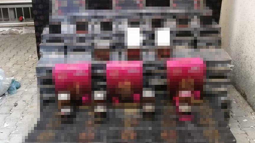 Cinsel içerikli kaçak ürünlerin saklandığı depoya baskın