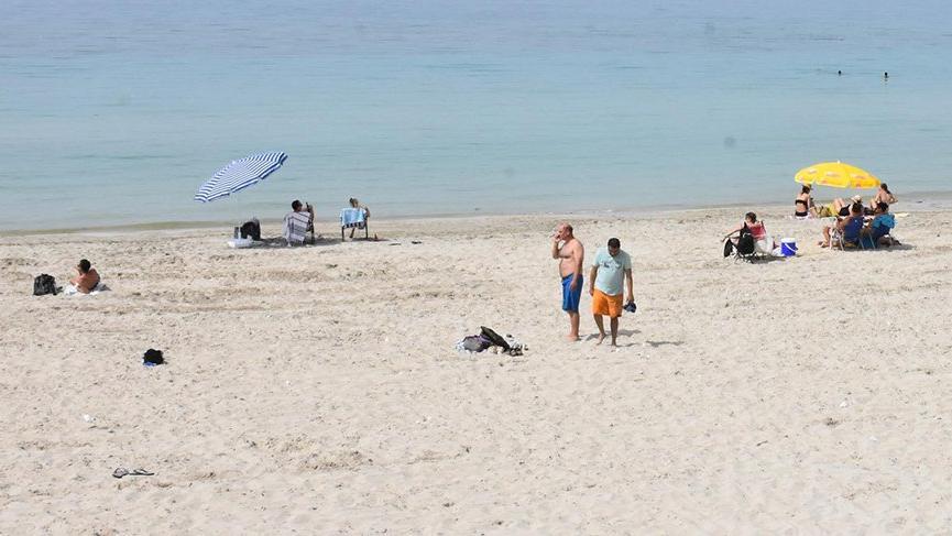 Sıcaklık 34 dereceyi gördü, plajlar hareketlendi