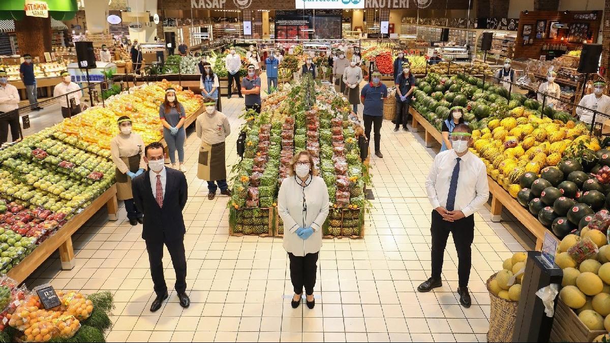 Güler Sabancı´dan market çalışanlarına teşekkür ziyareti