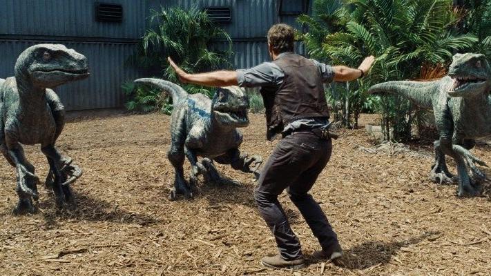 Jurassic World filmi konusu ne? Jurassic World oyuncuları kimler?