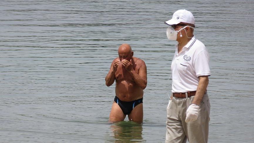 65 yaş üzeri vatandaşlar sokağa çıktı