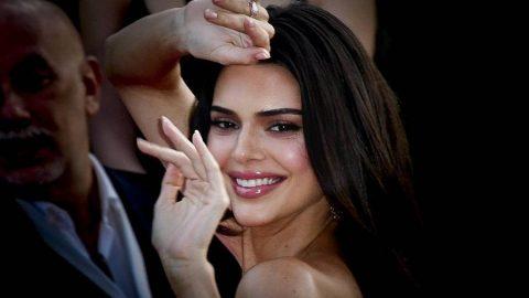 Kendall Jenner, genç yaşlarda panik atak krizleri geçirdiğini itiraf etti