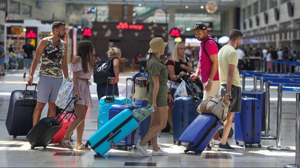 Alman bakandan turizm açıklaması: Türkiye'ye olabilir