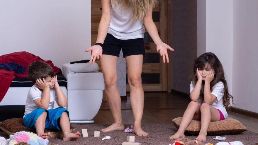 Dağınık çocuğa nasıl davranılmalı? Çocukları düzene ne zaman alıştırmalıyız?