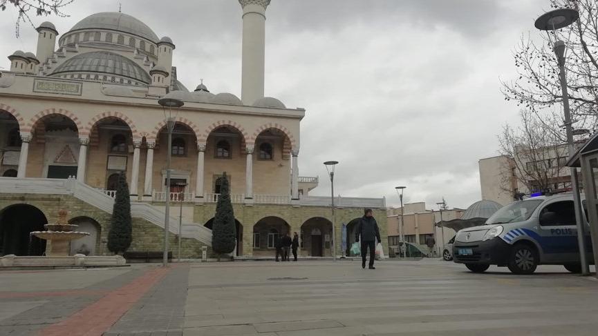 Türkiye'deki ezan sistemini tasarlayan mühendisten uyarı: Tüm camilerin anons sistemi ele geçirilebilir