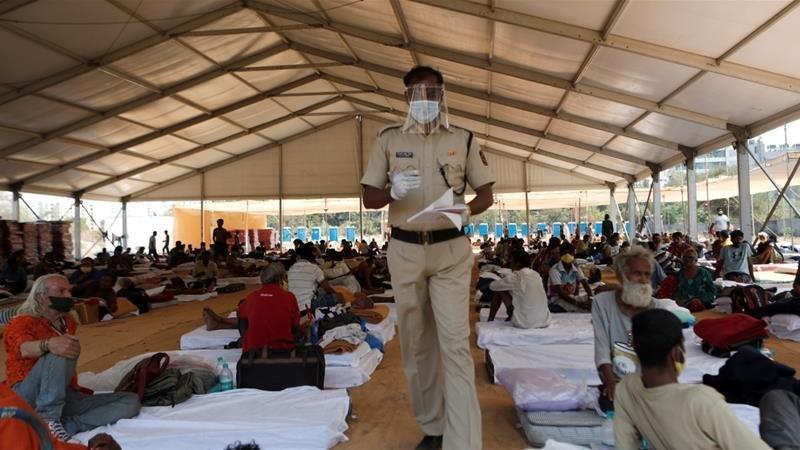 Corona virüsü salgını: Hindistan'da korkutan sıçrama