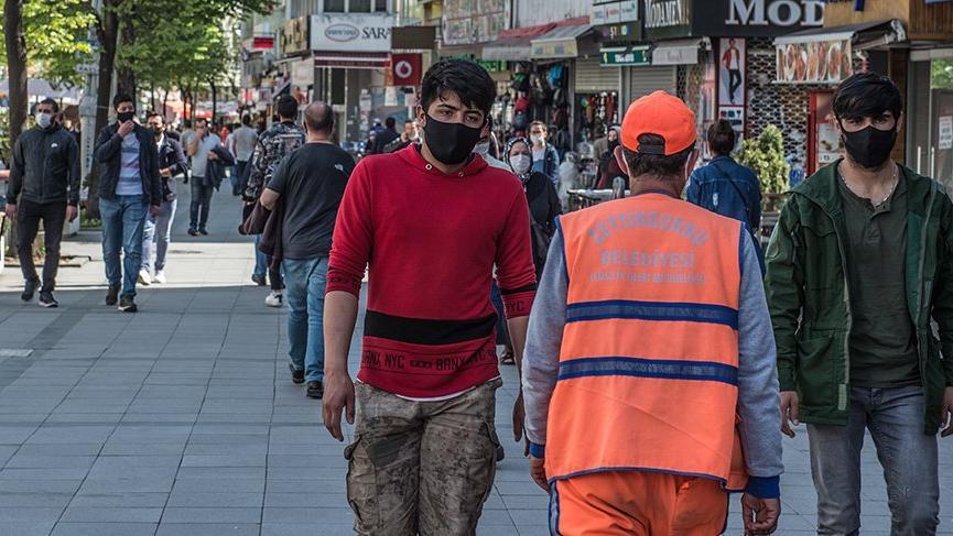 Bilim Kurulu Üyesi Özkan: Ankara, İstanbul, İzmir'de yeni normale geçiş daha sonra