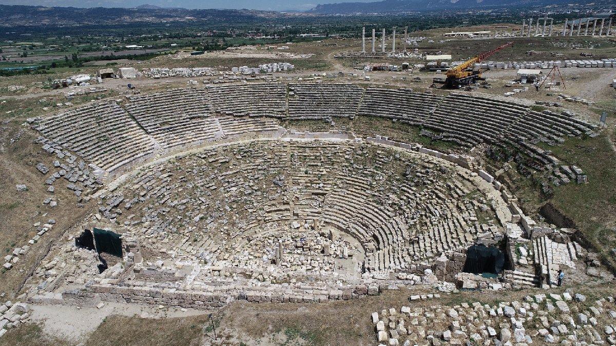 2200 yıllık tiyatro binlerce yıl sonra yine sanatseverleri ağırlayacak
