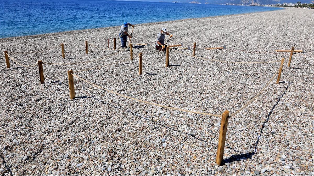 Konyaaltı Sahili'nde 'yeni normal' kuralları