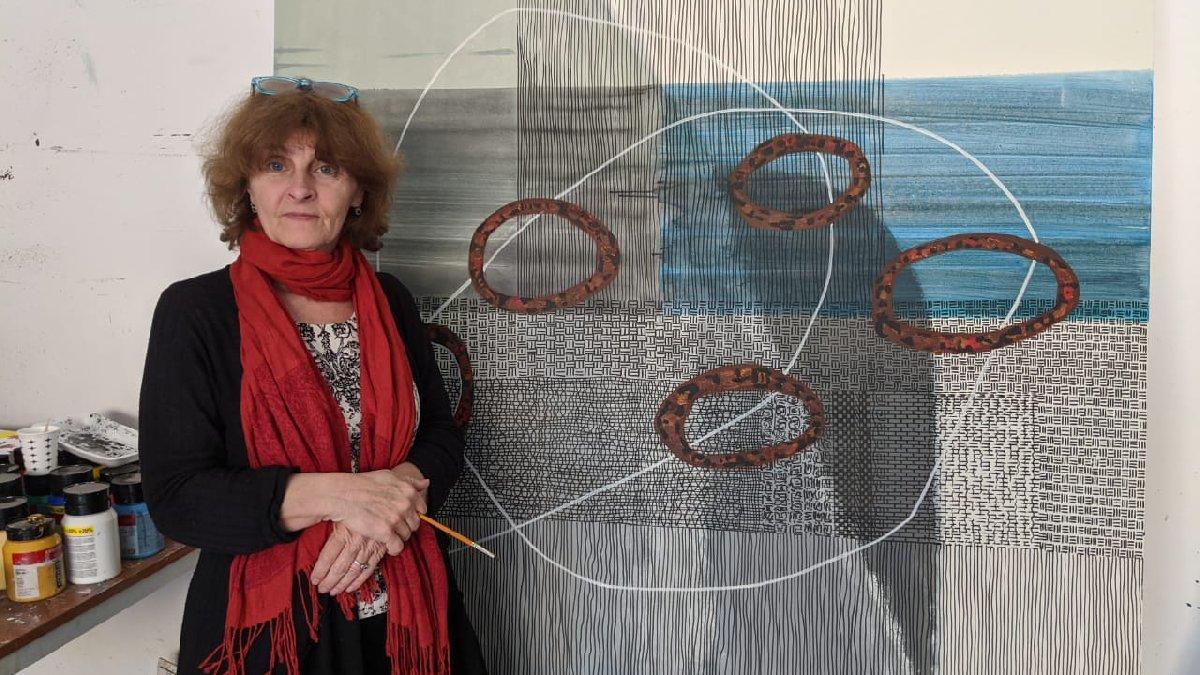 Corona virüsü mücadelesi Kıbrıs'a özgü figür ve motiflerle resmedildi
