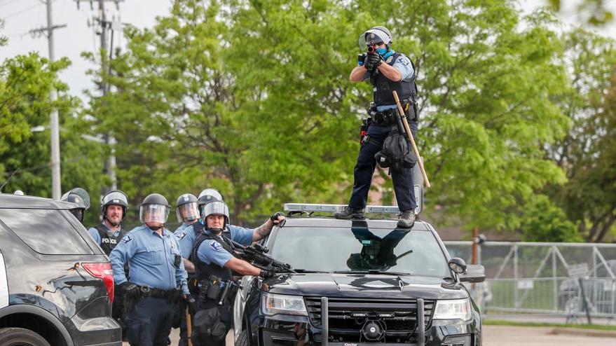 Polisin ırkçı şiddetine tepkiler büyüyor