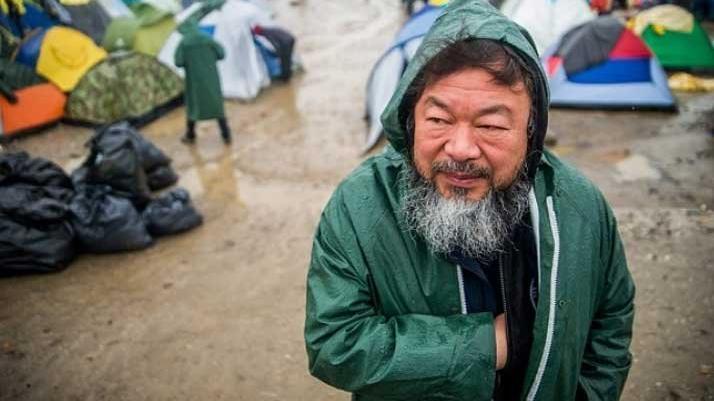 Çinli sanatçı Ai Weiwei, yardım kuruluşları için 10 bin maske tasarladı