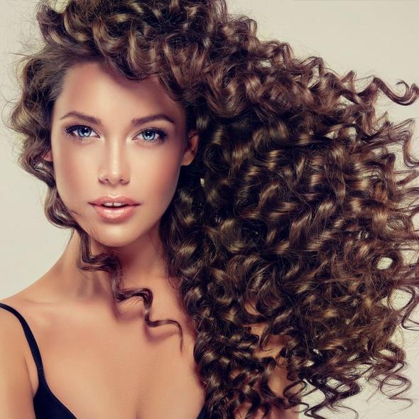İşte kıvırcık saçlara özel bakım önerileri