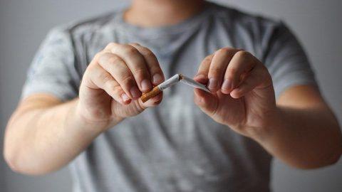 Uzmandan korkutan uyarı: Sigara içme yaşı 15'in altında