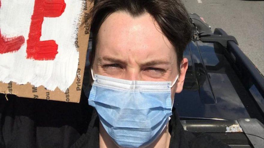 Kullanıcılar, Baltimore'lu bir genci Keanu Reeves sanınca ortalık karıştı