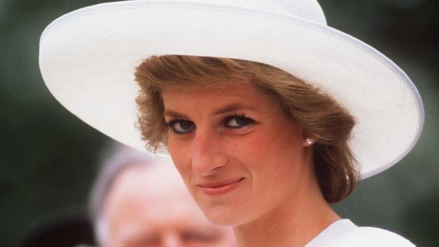 Hacker grubu Anonymous Lady Diana'yı Kraliyet Ailesi'nin öldürdüğünü iddia etti